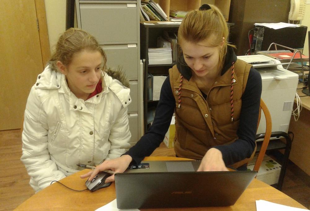 Katharina and Olga working at the Good Energies office