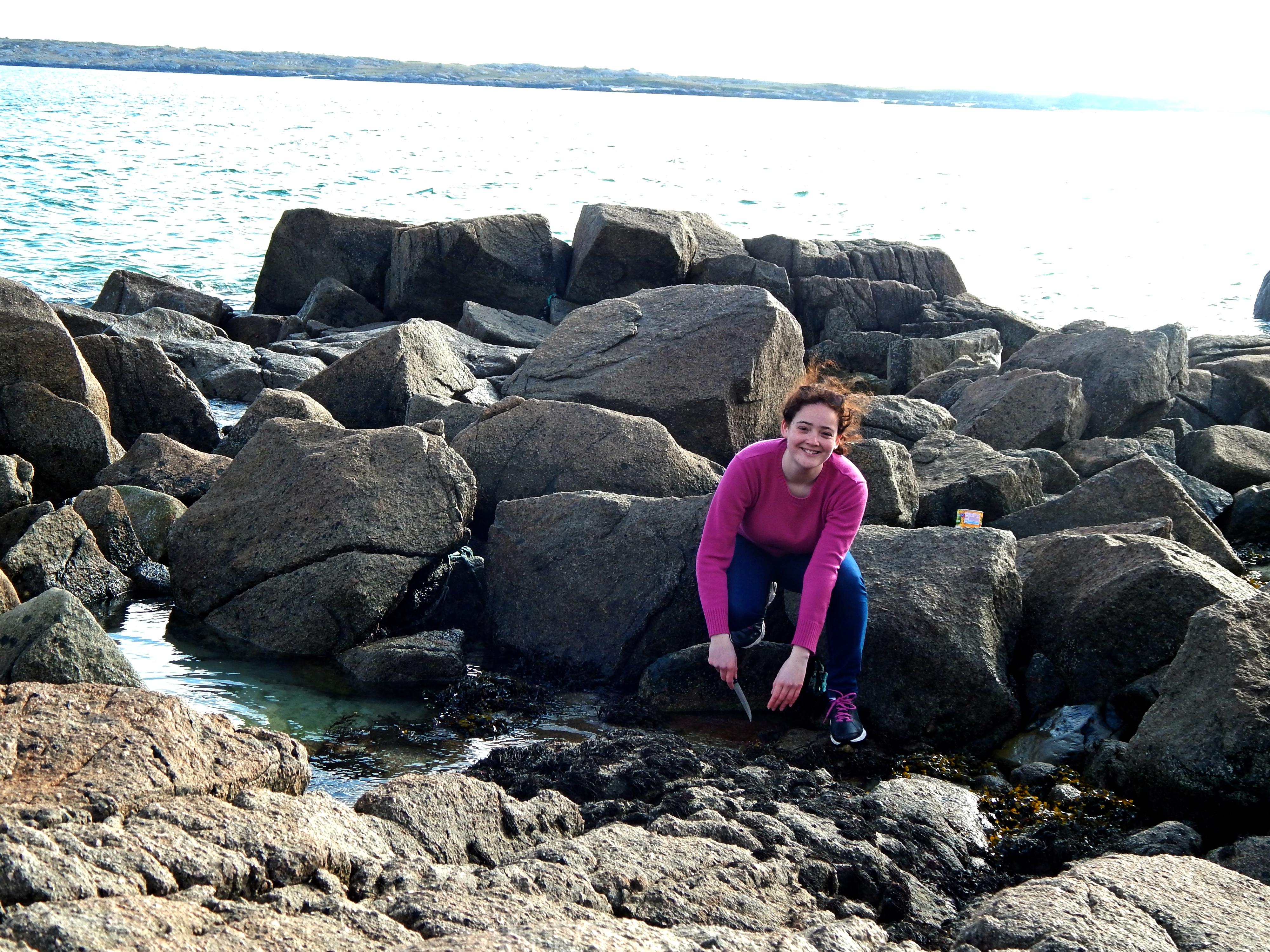 Lisandra on the rocks