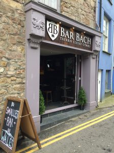 smallest bar in wales